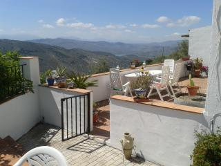 Nice 3 bedroom Villa in Iznajar - Iznajar vacation rentals