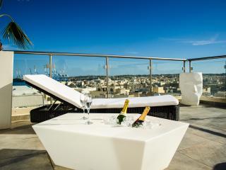 Paramount Bay Penthouse - Birzebbuga vacation rentals