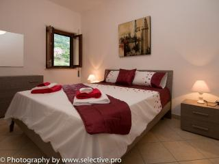 Modern one bedroom apartment close to train 17 - Pizzo vacation rentals