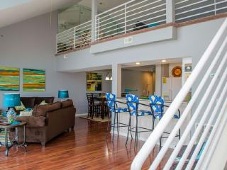 4 Bedroom Penthouse with additional loft - Osage Beach vacation rentals