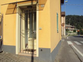 Bright Peveragno Apartment rental with Internet Access - Peveragno vacation rentals