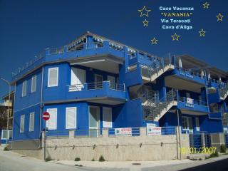 Cozy 2 bedroom Condo in Cava d'Aliga - Cava d'Aliga vacation rentals
