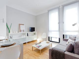 Gran Via III apartment - Madrid vacation rentals