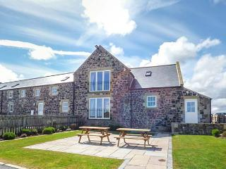 GRANARY STONE HOUSE, luxury barn conversion, en-suite, snooker table, in Embleton, Ref 924725 - Embleton vacation rentals