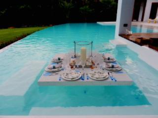 Nice Villa with Deck and Internet Access - Altos Dechavon vacation rentals