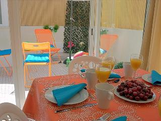 Comfortable House with Dishwasher and Kettle - Lisboa vacation rentals