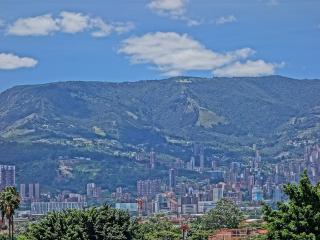 3 bedroom Apartment with Internet Access in Medellin - Medellin vacation rentals
