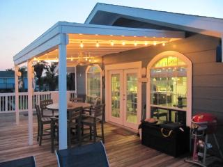 Enjoy low rate!! Fish  Dock /Deck-Fishing Light  TOYS-Beach Close-Golf Cart - Jamaica Beach vacation rentals