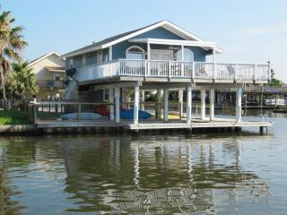 Fish  Dock /Deck-Fishing Light  TOYS- Kayak - Boards - Beach Close-Golf Cart- - Jamaica Beach vacation rentals
