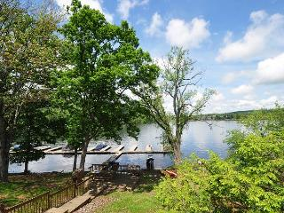 Delightful & Inviting 3 Bedroom Lakefront Townhome in the heart of Deep Creek - McHenry vacation rentals