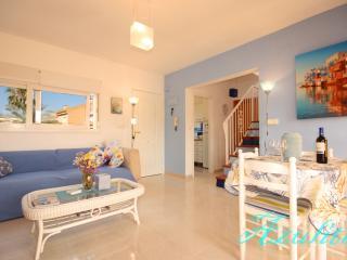 AZULITA , modern restyled apartment albir - L'Alfas del Pi vacation rentals