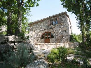 Mas Provençal en pleine nature - Vogue vacation rentals