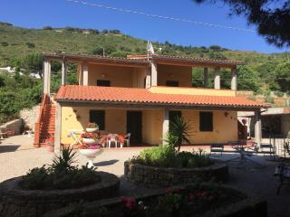 Villa Elisa, App. 1 Case Vacanze Innamorata - Innamorata vacation rentals