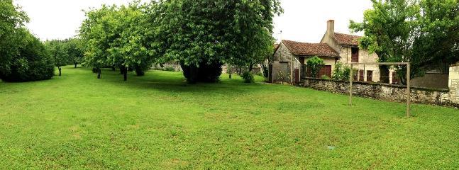 MAISON calme en Touraine, 3ch, 3-9pers. 240-360€ - Richelieu vacation rentals