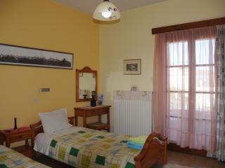Cozy Aegina Town Studio rental with Internet Access - Aegina Town vacation rentals