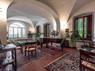 Gorgeous 5 bedroom Vitolini House with Internet Access - Vitolini vacation rentals