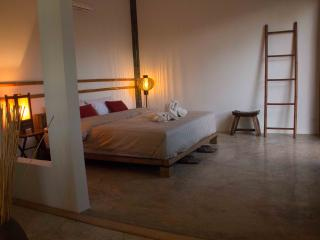 Charming 1 bedroom Chiang Rai Bed and Breakfast with Internet Access - Chiang Rai vacation rentals