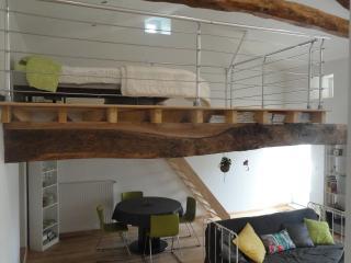 Studio Duplex pour 2 dans village paisible - Mareuil vacation rentals