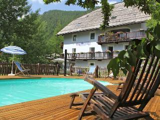 """Location maison complète """"La Girandole"""" - Arvieux vacation rentals"""