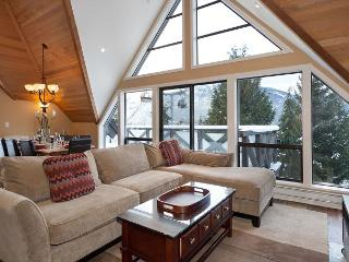 Pinnacle Ridge 20 | Whistler Platinum | Ski-In/Ski-Out Home with Hot Tub - Whistler vacation rentals