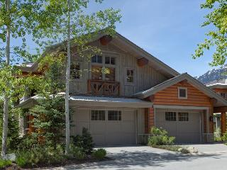 Taluswood The Heights 13 | 4 Bedroom Ski-In/Ski-Out Home, Private Hot Tub - Whistler vacation rentals