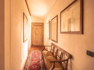 B&B Podere la Rondine - Bedroom Balestruccio - Prato vacation rentals