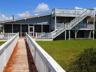 """2204 Point St - """"Hacienda Loca Del Mar"""" - Edisto Beach vacation rentals"""