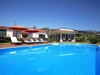 Beautiful Villa with Internet Access and Satellite Or Cable TV - Faja da Ovelha vacation rentals