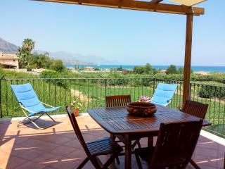 Terrazza Bella Vista - Wifi Garden 1 km dal mare - Castellammare del Golfo vacation rentals
