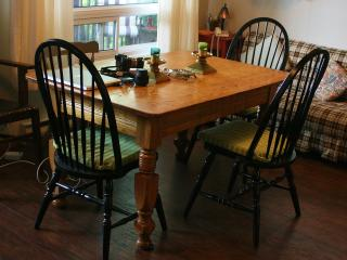 Comfortable Cottage with Deck and Parking - Dunchurch vacation rentals