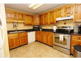 Family-friendly unit one mile from Story Land! - Bartlett vacation rentals