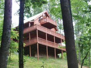 Huckleberry Hideaway - Wears Valley vacation rentals