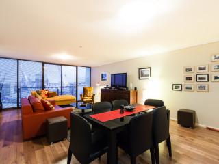 3 bedroom Apartment with Internet Access in Melbourne - Melbourne vacation rentals