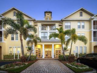 Beautiful Tampa Bay Vacation Condo Pool Side - Tampa vacation rentals