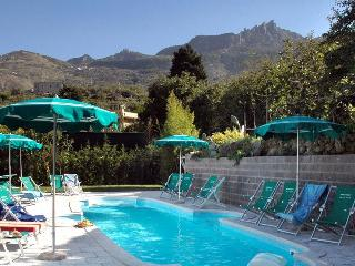 Gorgeous 2 bedroom Forio Apartment with Garden - Forio vacation rentals