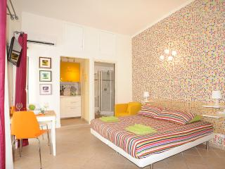 At walking distance from the Colosseum - Rome vacation rentals