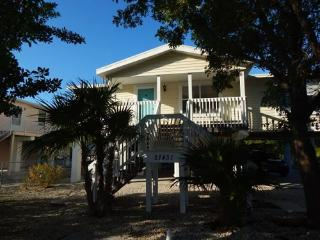 Bright House with A/C and Television in Ramrod Key - Ramrod Key vacation rentals