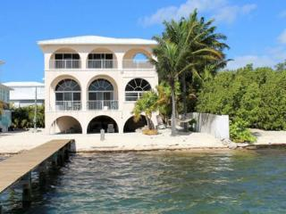Perfect 3 bedroom House in Summerland Key with A/C - Summerland Key vacation rentals