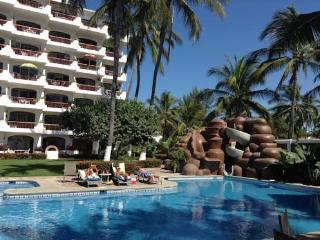 3 bedroom Condo with Deck in Bucerias - Bucerias vacation rentals