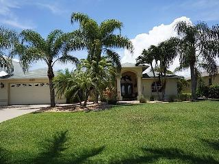 Casa Annalynn - Cape Coral 4b/2ba home w/electric heated pool, HSW Internet, - Cape Coral vacation rentals