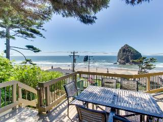 Beachfront, dog-friendly home w/ hot tub! - Cannon Beach vacation rentals