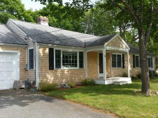 5 Bedroom Ranch Sleeps 14 with A/C - West Yarmouth vacation rentals