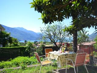 Nice Condo with Washing Machine and Television - Consiglio di Rumo vacation rentals