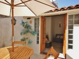 Romantic townhouse in Old Antibes - Antibes vacation rentals