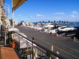 CHARMING SEA VIEW APARTMENT | AP33 - Imperia vacation rentals