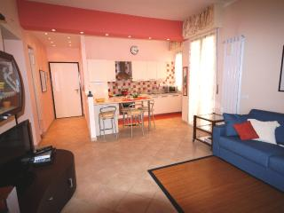 Bright 1 bedroom Vacation Rental in Poggi - Poggi vacation rentals