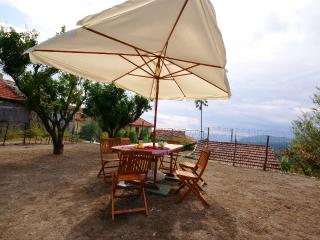 Lovely 3 bedroom Apartment in Villa Faraldi - Villa Faraldi vacation rentals