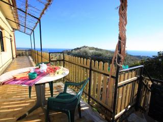 Beautiful 2 bedroom Apartment in Poggi - Poggi vacation rentals