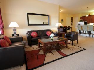 VISTA CAY PENTHOUSE CABANA 3 BEDROOMS SLEEPS 8 - Orlando vacation rentals