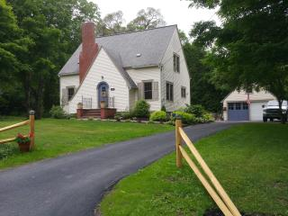 The Garden House Oneonta - Oneonta vacation rentals